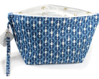 Project Bag - Knitting Project Bag - Yarn Bag - Zipper Project Bag - Blue Dots with Gold Bird lining