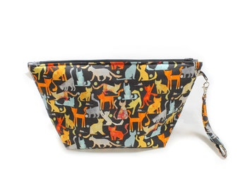 Project Bag - Knitting Project Bag - Yarn Bag - Cosmetic Bag - Bag with Divider - Zipper Project Bag - Abstract Cats