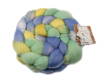 Hand Painted Roving - Roving - Hand dyed Roving - Tanzinite - Falkland Wool - 4 Ounces