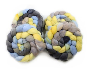Roving - Hand Dyed Roving - City Night Sky - Targhee Wool - 4 Ounces