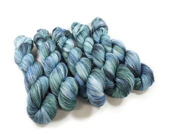 Hand dyed Yarn - Hand painted yarn - dyed yarn - hand dyed fingering weight yarn - 400 yards - fingering weight yarn - Splash