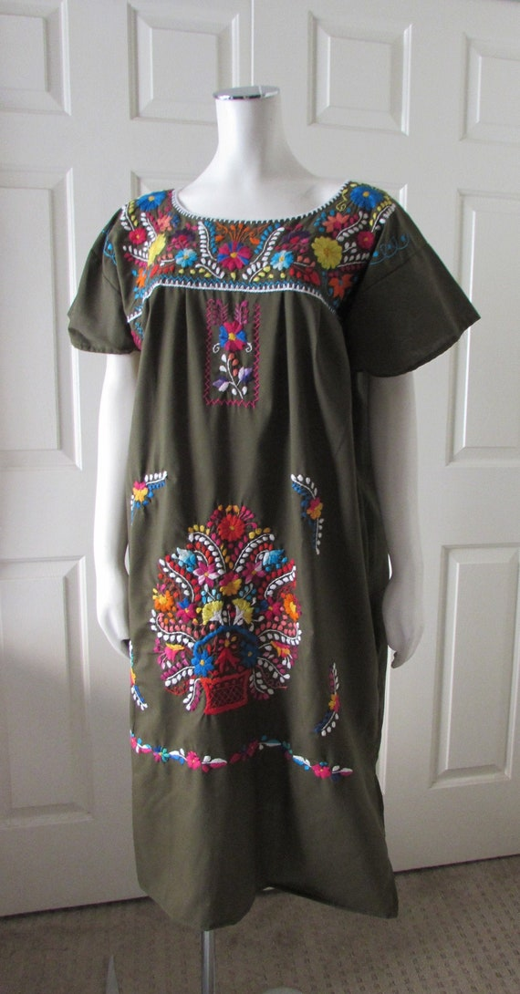 DRESS Embroidered Puebla Mexican Dress Peasant Han