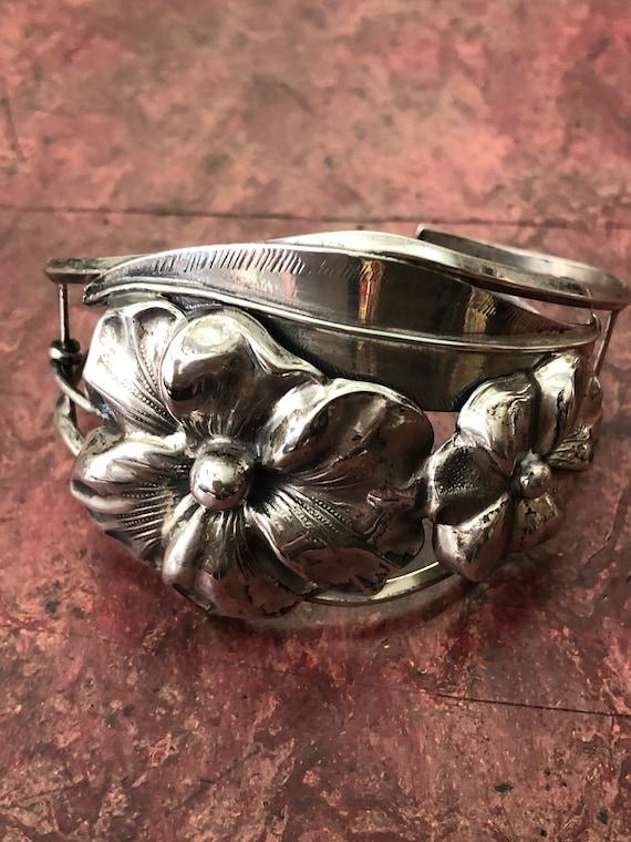 1940s Vintage STERLING FLOWER CUFF Bracelet Sterli