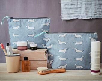Dachshund Washbag - Dachshund Gifts - Sausage Dog Wash Bag - Cosmetic Bag - Travel Bag - Makeup Bag - Toiletries Bag - Dog Lover Gifts