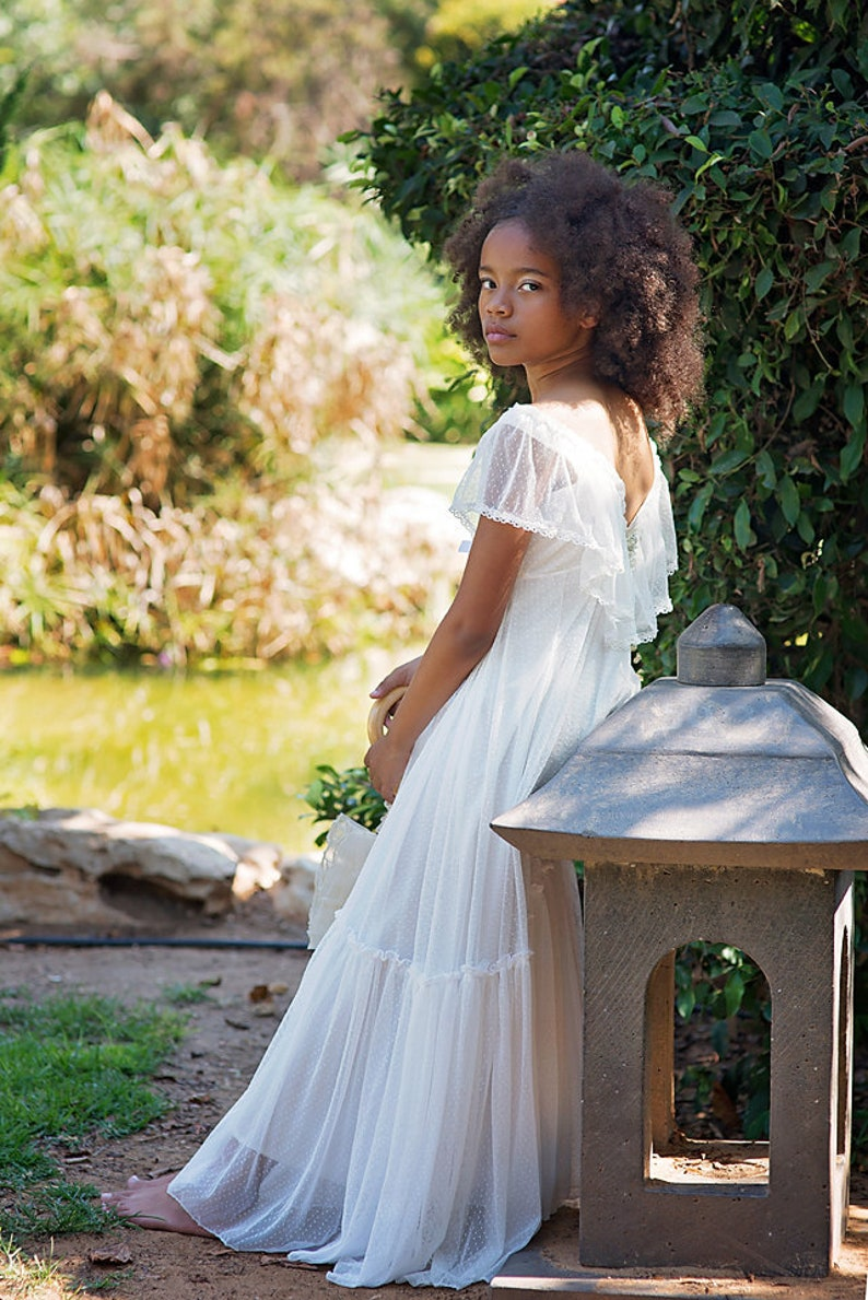 8f6c73de0f9 Boho Junior Bridesmaid Dress Girls Dress Ivory Lace Flower