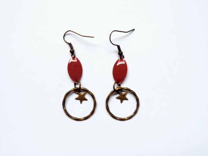 Earrings  without them red image 0