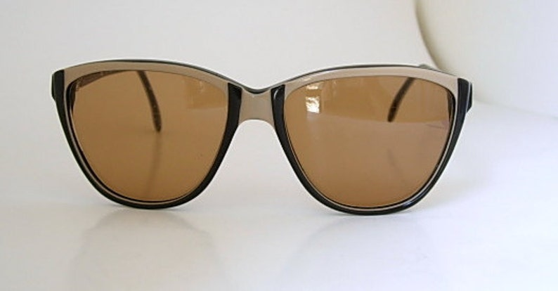 e3cd13cb183 Cool Vintage Oversized Tura Eyeglass Frames Tan Dark Brown