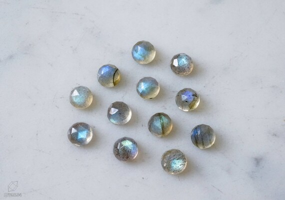 94.20 Labrodorite AAA Quality    Oval Cab29.2x37.6xH12.1 mm cts