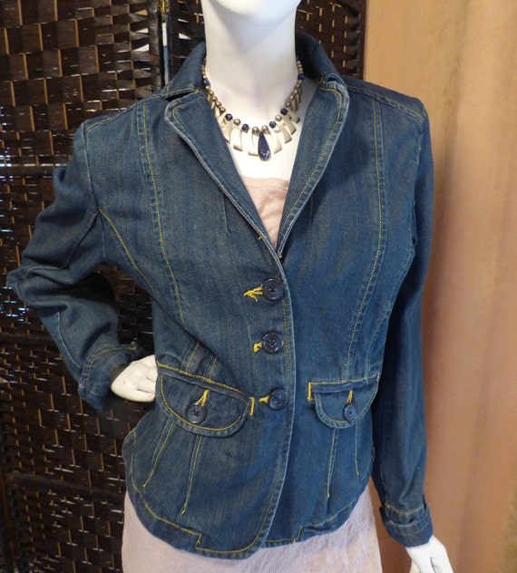 Vintage Denim Form fitted Jacket - cropped blazer