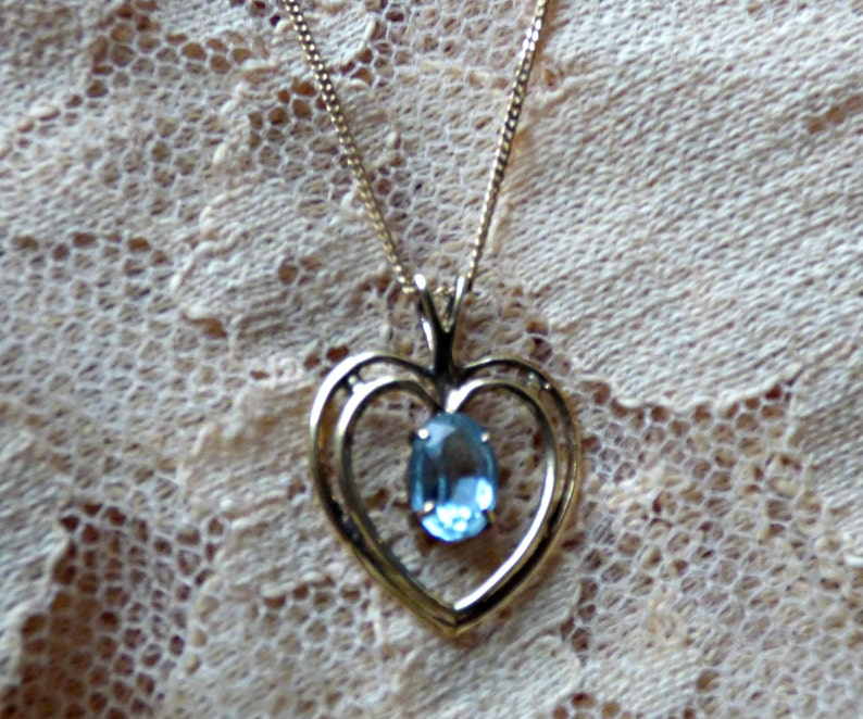 7mm x 5mm stone 17 14K gold chain ON SALE vintage estate 14k gold heart pendant necklace with aquamarine