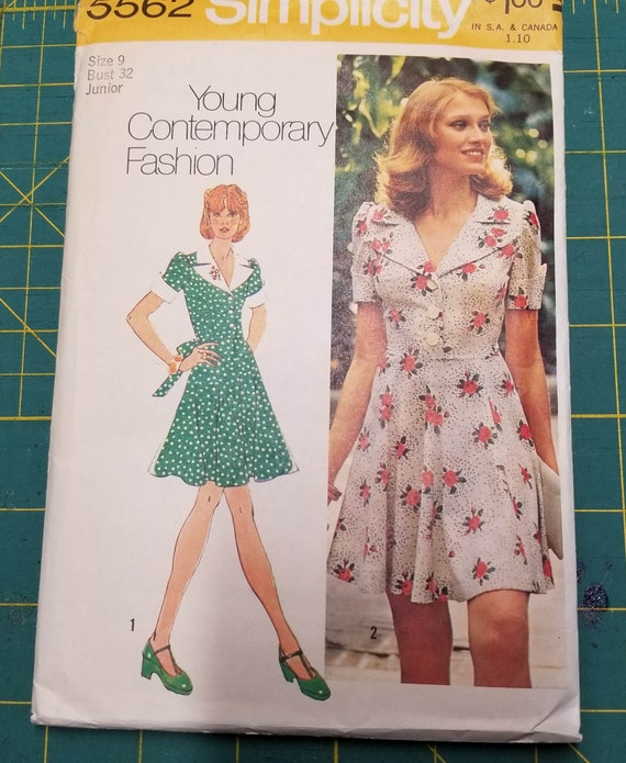 dbbfbd668373 Simplicity 5562 ©1973 Juniors  and Misses  Dress in