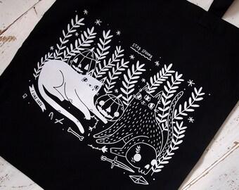 Black Halloween cats tote bag