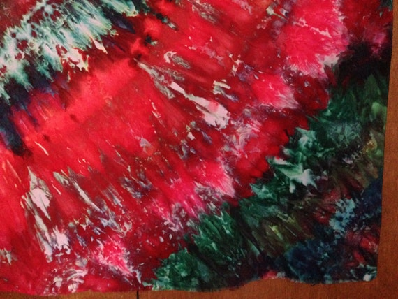 Red and Green-Quarter Circle in Fan pattern Snow Dyed cotton  #003