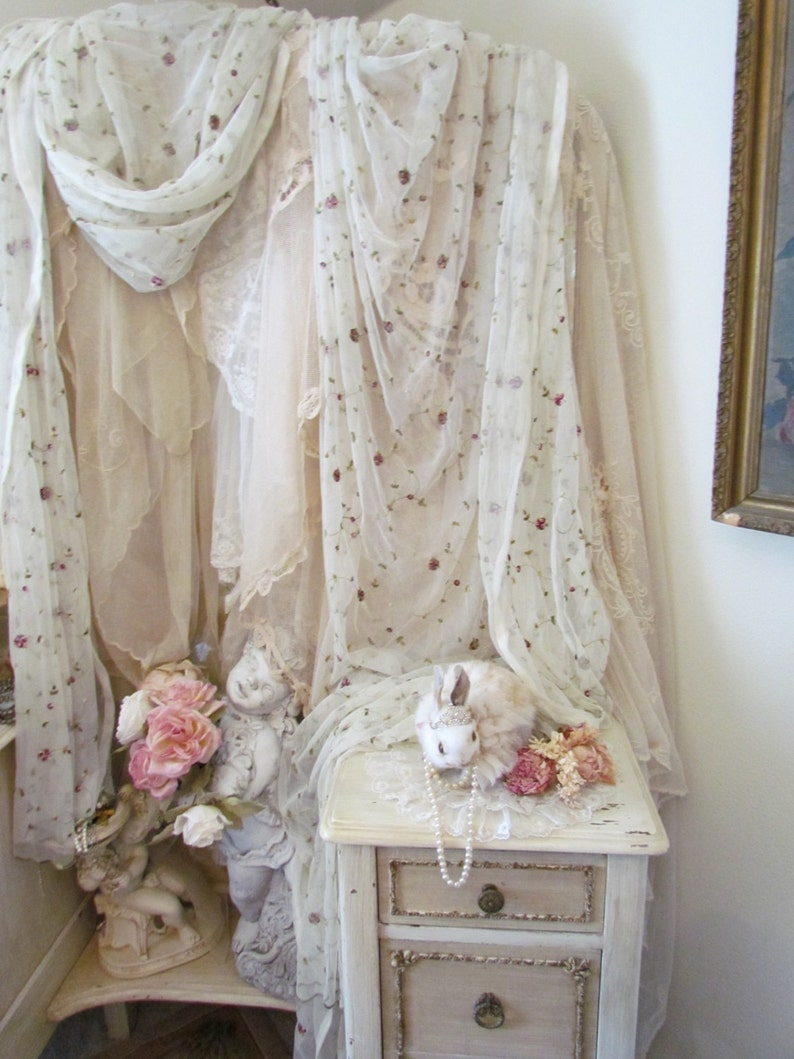 Lace Victorian Style Window Scarf Valance Curtain With Pink Embroidered Roses NIP