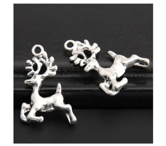 12 Reindeer charms antique silver tone CT28