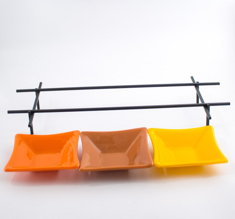 Multi couleur fusionnés avec des bols de verre, servant ensemble, support en fer forgé, petit verre bols, affichage sur table, Table Decor, hôtesse Unique Gifts