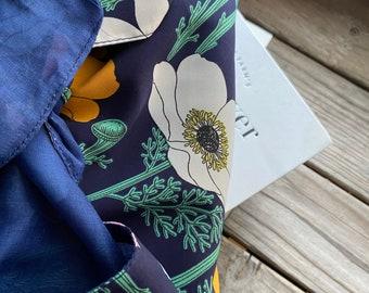 Furoshiki cloth wrap / reversible reusable gift cloth wrap : Silk 01