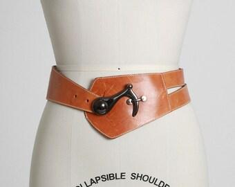 Vintage 70s wide cognac leather hook belt