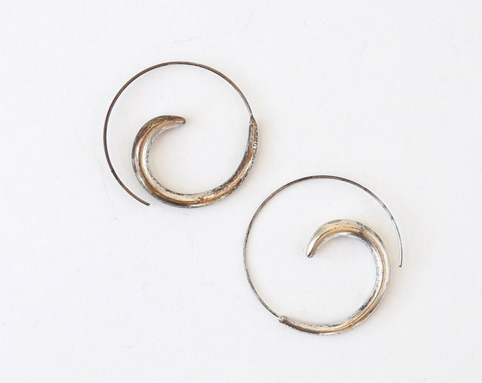 Vintage Modernist sterling silver spiral hoop earrings