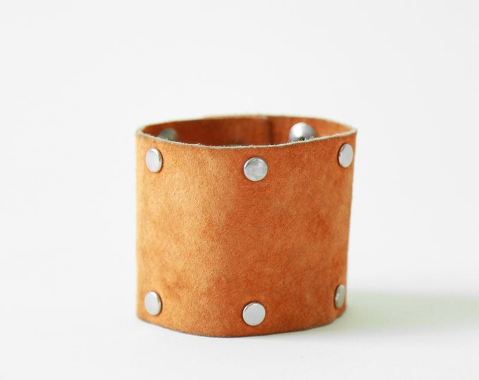 Leather cuff bracelet | Vintage 70s studded cuff bracelet | Suede leather cuff