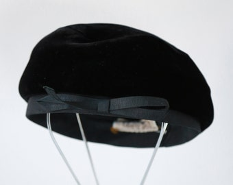 Clover Lane Beret | Vintage 50s black velvet bow Beret hat