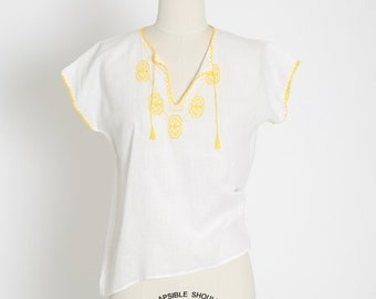 Vintage 70s Mexican cotton Peasant blouse | 1970s Boho Hippie yellow Embroidered peasant Top