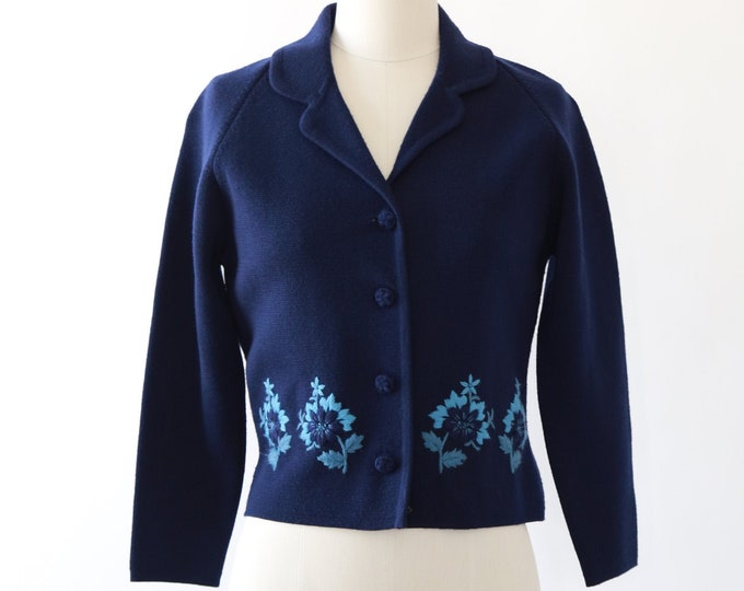 Macy's California knit cardigan | Vintage 50s floral knit wool sweater cardigan