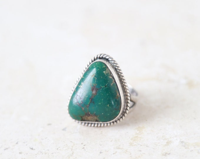 Old Pawn sterling silver green Turquoise Ring Size 7 1/2