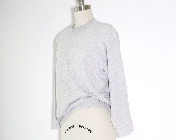 Paper thin Reglan sweater  | Vintage gray Reglan sweatshirt