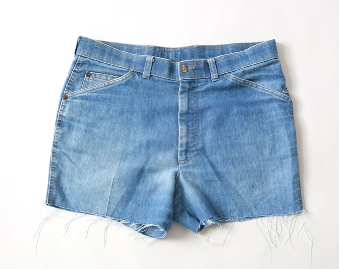 Vintage 70s Levis light wash blue jeans shorts USA W34 | Levis Action slacks