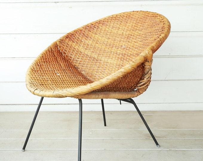 Vintage Mid Century Modern Califasia Wicker rattan Iron Hoop Lounge Chair Aubock Era   Blue vinyl cover
