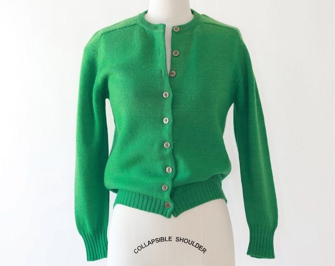 Kelly green knit cardigan | Vintage 50s wool knit cardigan  | green knit sweater