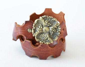 Floral Cutout leather belt | Vintage 60s tooled leather scallop belt | Brass floral belt buckle