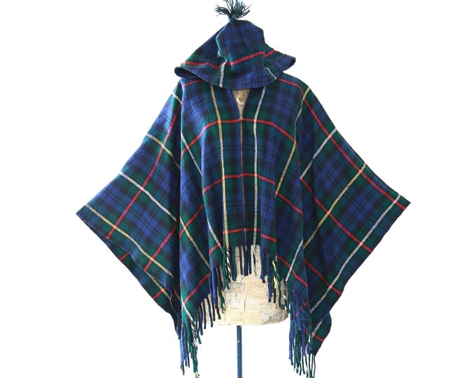 Country Place Cape | Vintage 60s plaid wool hooded Cape