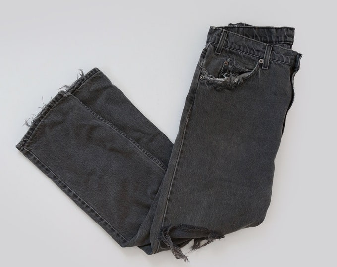 frayed 505 Levis | Vintage 80s 505 Levis red tab straight fit distressed faded black jeans USA W32 L29