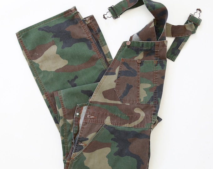 Camo Overalls | Vintage 70s Round House Camo camouflage Overalls 36x34