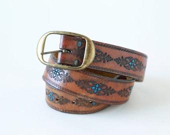 Floral Tooled leather belt | Vintage 70s hand painted tooled belt | Brass buckle leather belt