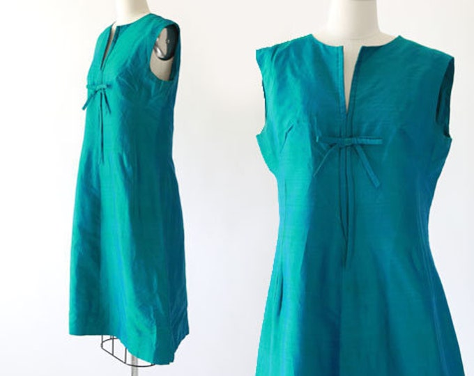 Iridescent green dress | Vintage 60s green shift dress M L