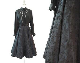 Vintage 50s floral velvet taffeta full circle skirt