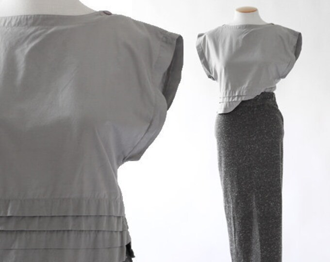 Boxy crop top | 80s gray pleated blouse