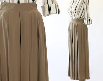 Cropped olive trousers | 90s culottes | Gauchos