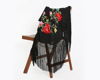 Vintage 70s Piano shawl | 1970s floral hand embroidered fringe scarf