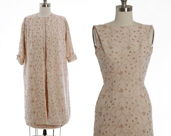 Claudia Young suit | Vintage 50s 60s floral embroidered 2pc linen wiggle dress coat | Floral trapeze coat