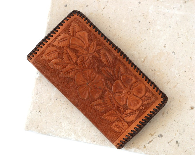 Floral leather wallet | Vintage 60s tooled leather wallet | tri fold wallet