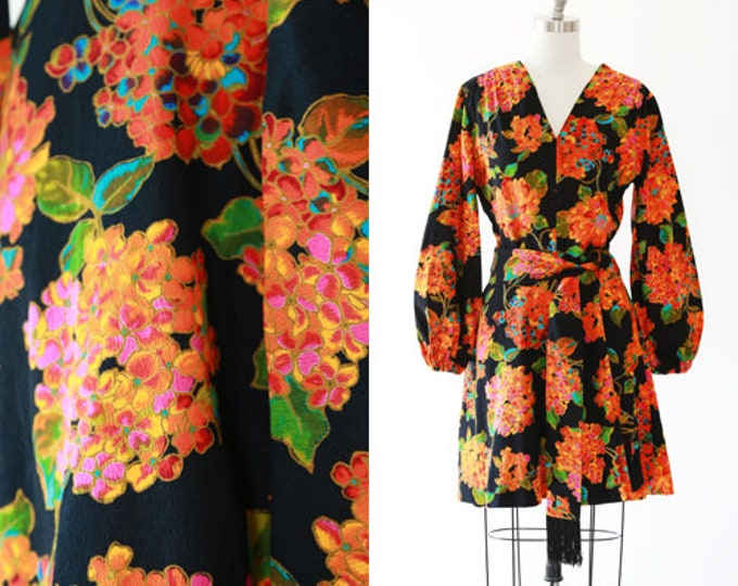 hydrangea poet sleeve dress | Vintage 60s psychedelic floral barkcloth mini dress