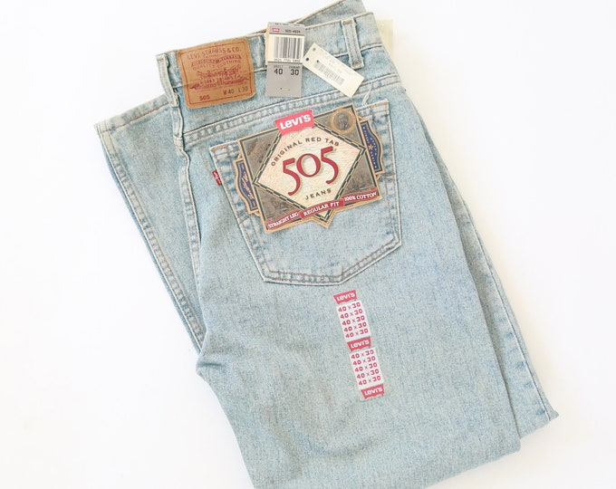 Vtg 505 Levis red tab light wash button fly jeans USA W40 L30