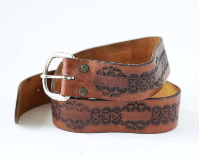 Tooled leather belt | Vintage 70s soft leather belt 30