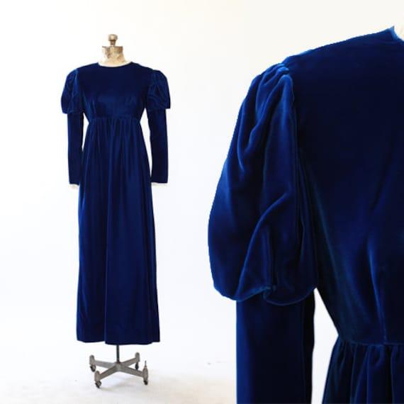 Gigot sleeve maxi dress   Vintage 60s Blue VELVET