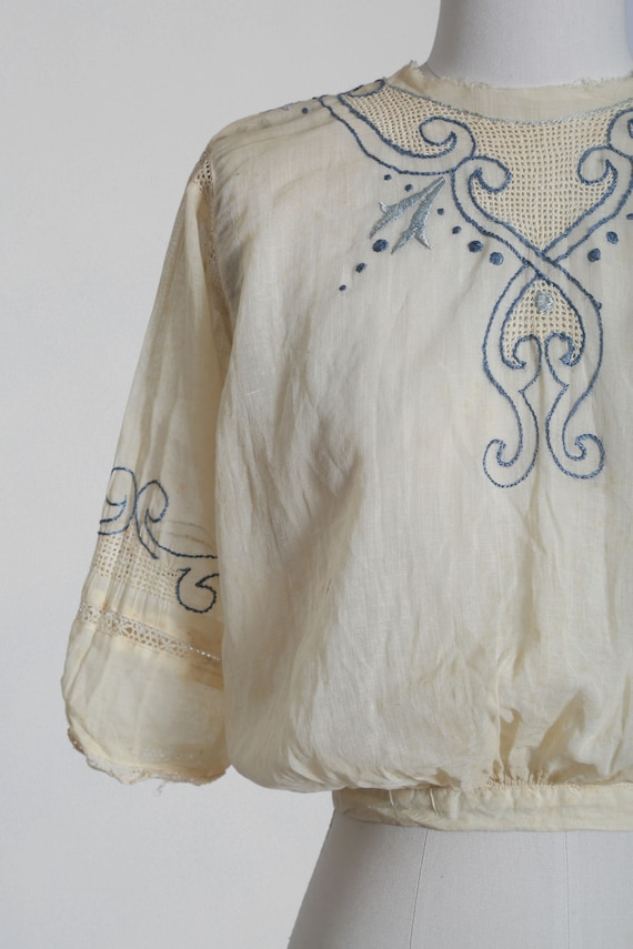 Antique 1900s Edwardian hand embroidered blue scr… - image 2