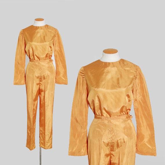 Mustard satin suit    Vintage 50s 60s satin lounge